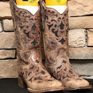 Corral Stingray Inlay Boots with Square Toe